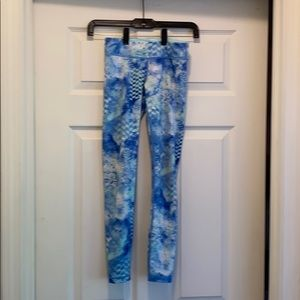 Ivivva  Blue & white Leggings